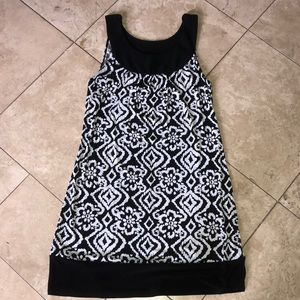 Dresses - NWT Black and white sleeveless dress